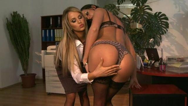 Aleska Diamond and Larissa Dee